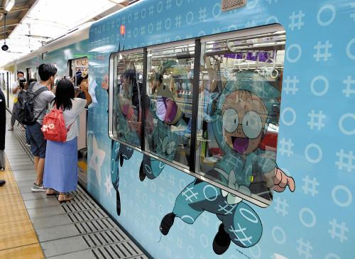 電車内も外も…遊び心満載、「忍たま」の仲間参上?a=20190720-00050384-yom-bus_all山陽電鉄は19日、テレビアニメ「忍たま乱太郎」のキャラクターを車体に描いたラッピング電車(3両)の運行を始めた