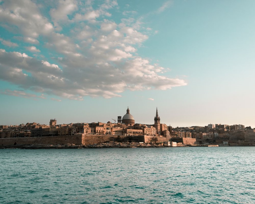 マルタ島に拠点を置く世界有数の巨大取引所